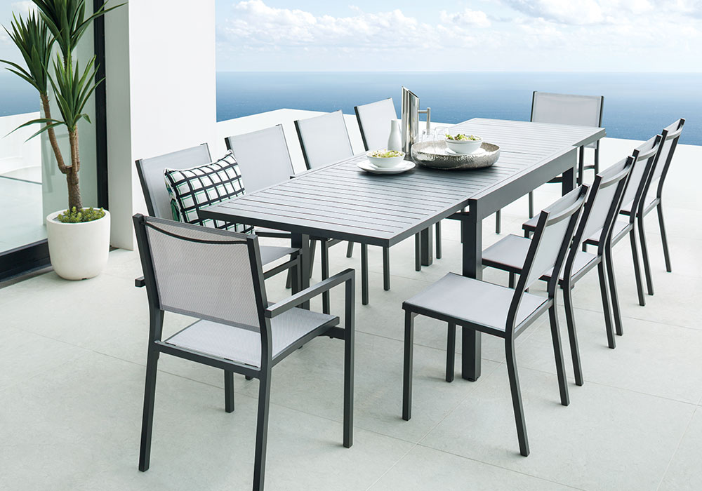 Dine Outdoors with our Outdoor Furniture!
